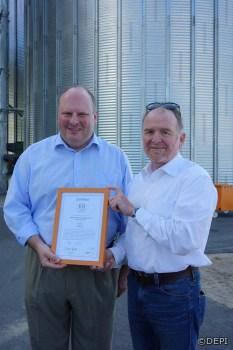 ENplus-Zertifikat für HMS-Holz-Chef Heinrich Seuffert