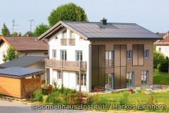 Familie Hövel wohnt in einem Sonnenhaus
